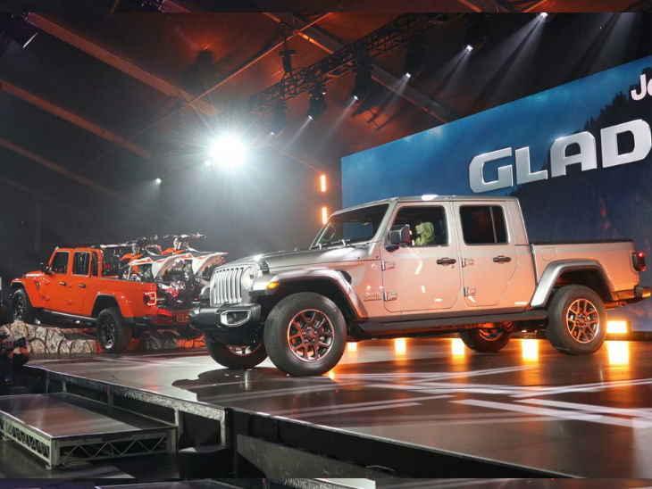 LA मोटर शो / जीप की सबसे लंबी SUV ग्लैडिएटर ने किया डेब्यू